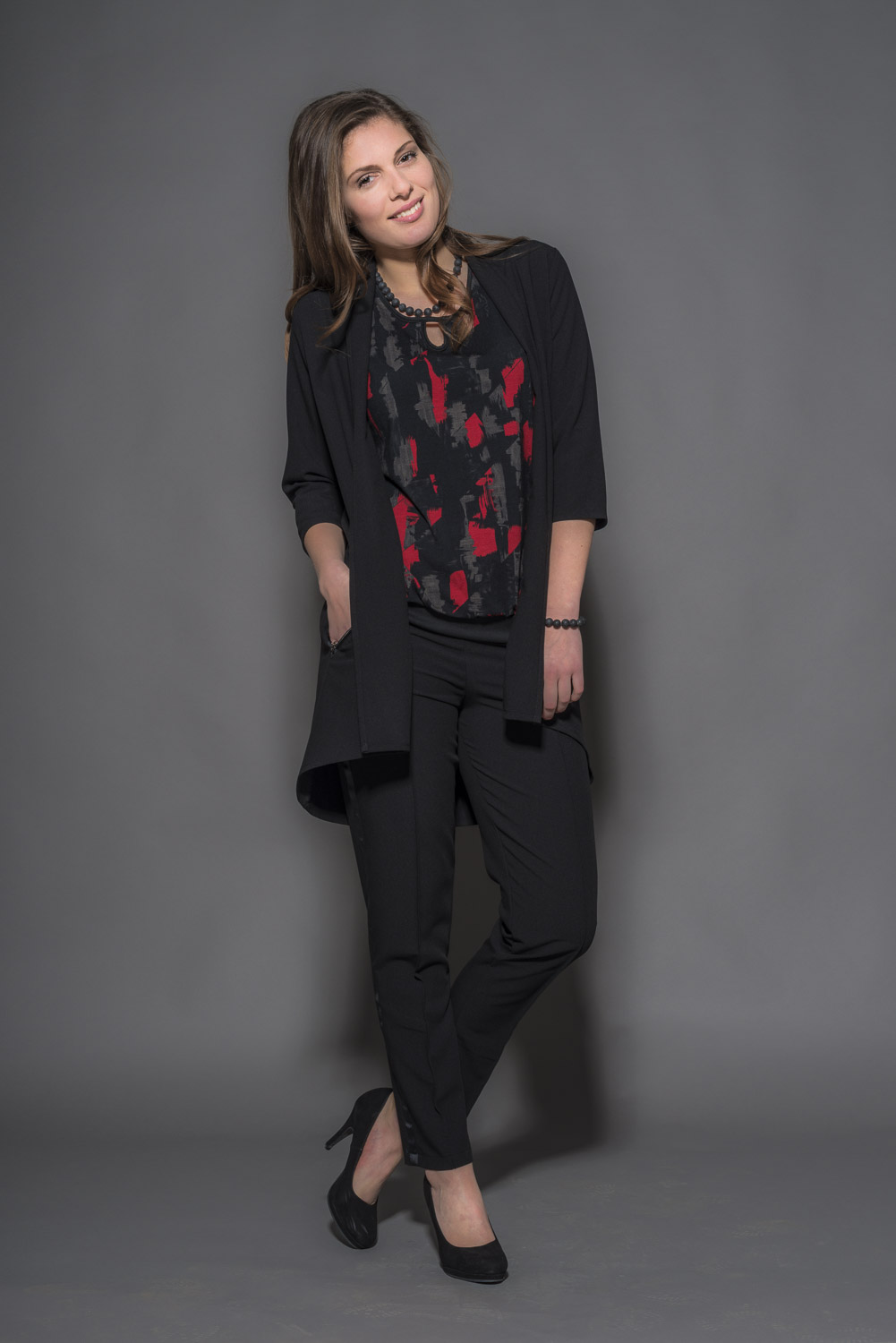 Cardigan C3265 – Blouse C4762 – Pants C5356