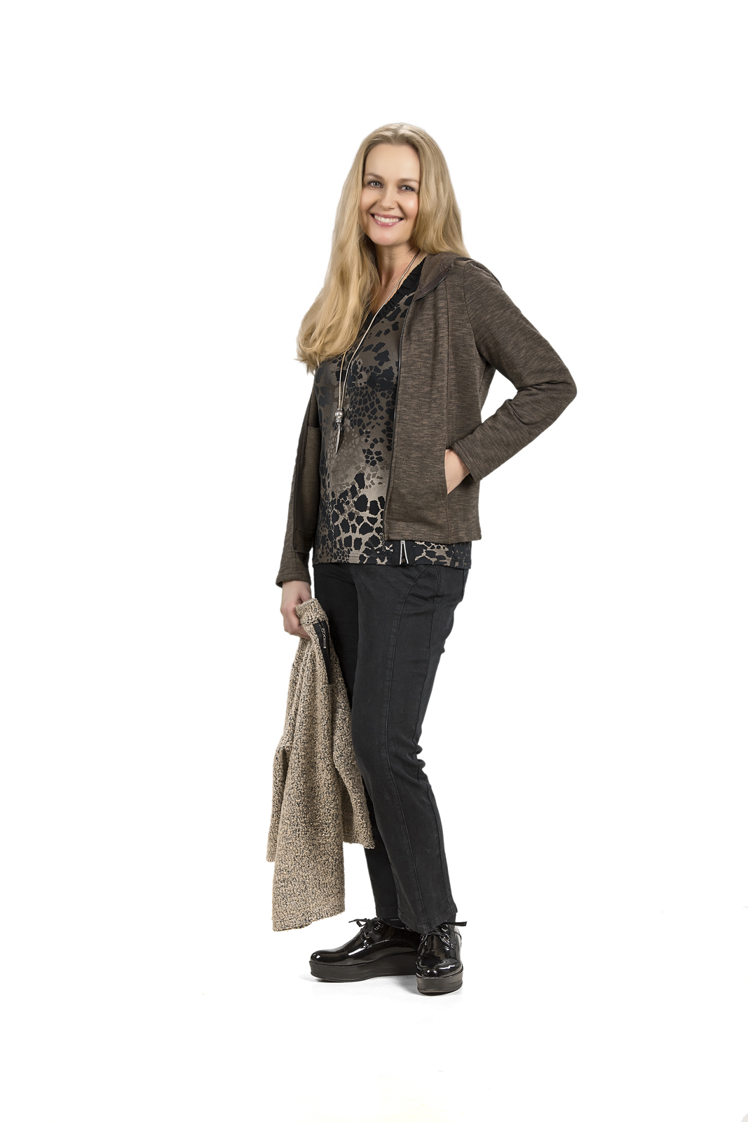 C3290 Cardigan – C4792 Blouse – C5411 Trousers (C8936 Blouse)