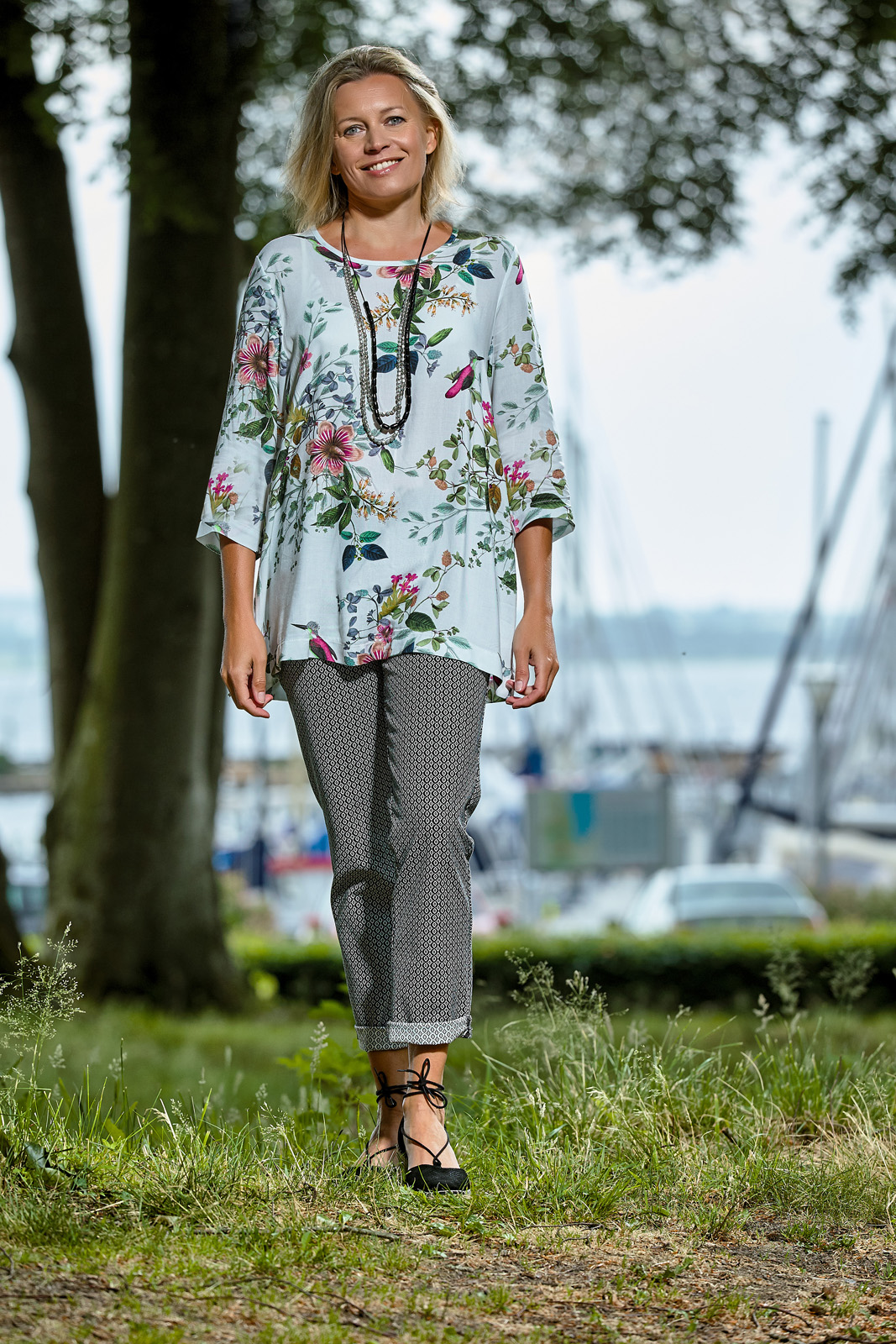 C8215 blouse – C5012 trousers